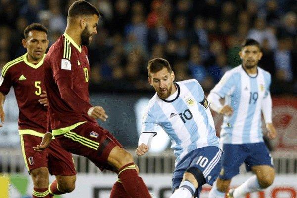 دیدار تیم های ملی فوتبال آرژانتین و ونزوئلا