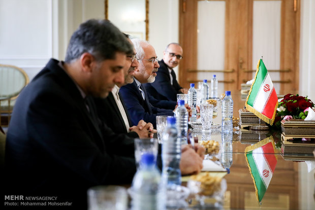 Iranian FM meets with Vatican counterpart