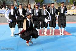 İran'da Uluslararası Halk Oyunları Festivali