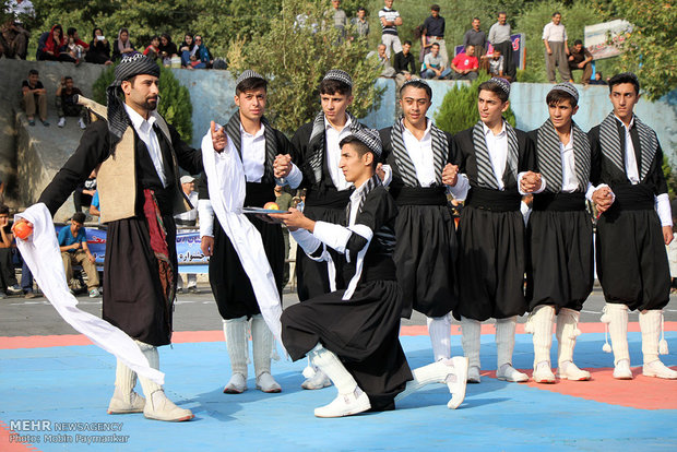 6th international festival on local games in Marivan