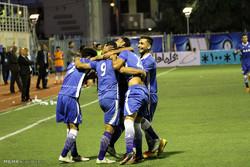 دیدار تیم های فوتبال گلگهر سیرجان و استقلال تهران