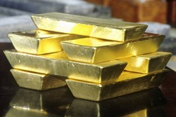 احتمال افزایش نرخ بهره آمریکا باعث افت قیمت طلا شد