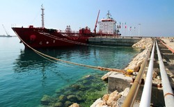 مازاد درآمد نفتی به صندوق توسعه ملی واریز می شود