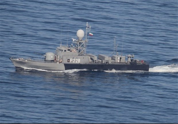 US warship tailed in Taiwan Strait: Chinese military