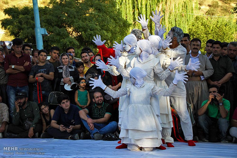 نامه اعتراضی هنرمندان تئاتر خیابانی/ آقای وزیر صدایمان را بشنوید
