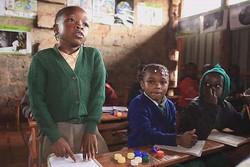 آموزش های دینی و اخلاقی از سنین کودکی مورد توجه قرار گیرند