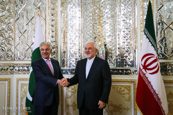 Zarif receives Pakistani counterpart in Tehran
