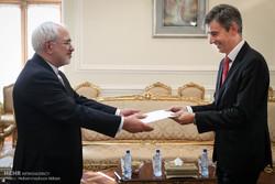 Zarif, 4 ülkenin Tahran büyükelçisini kabul etti