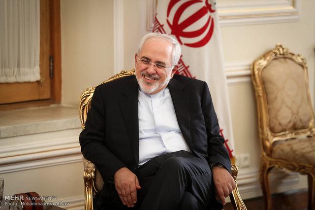 Zarif receives foreign ambassadors in Tehran