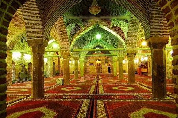 """""""الجامع الأحمر"""" صرح تاريخي يعكس ثقافة أهل السنة في مدينة """"مهاباد"""" الإيرانية"""