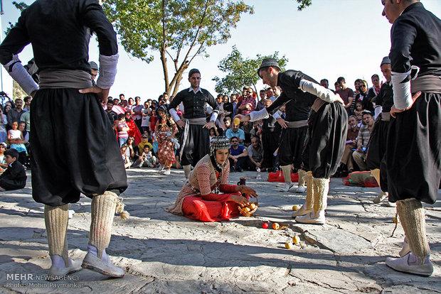 دوازدهمین جشنواره بین المللی تئاتر خیابانی مریوان
