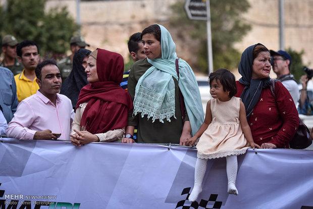 İran'daki ralli yarışmasının kapanış töreni