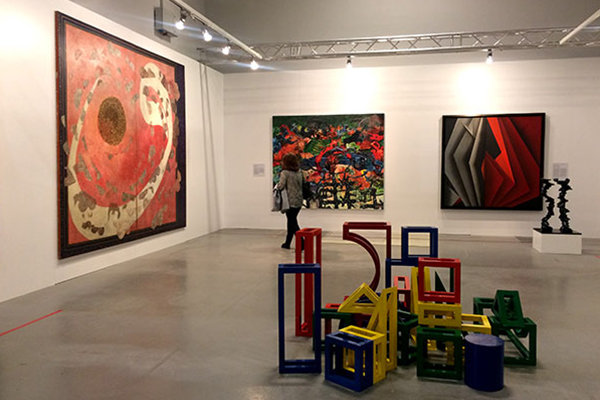 آرت فر دوبی همچنان جلوتر از استانبول/ گالریهای ایران عقب ماندند