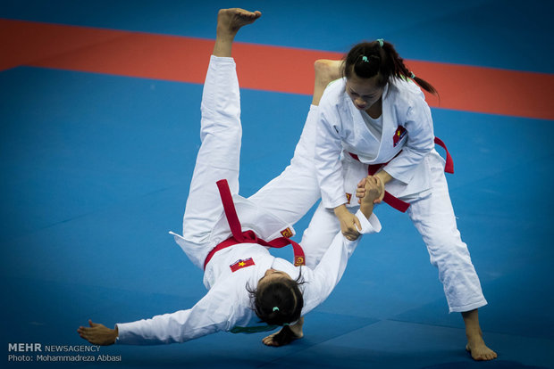 Asya Kapalı Salon ve Dövüş Oyunları'nın ilk günü