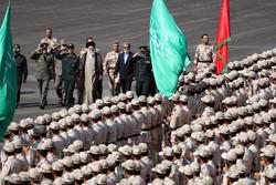 قائد الثورة الإسلامية يرعى مراسم تخرج جامعة قوى الأمن الداخلي