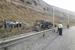 افزایش فوتی های تصادف جاده ساوه به ۵ نفر/۳ تن مصدوم شدند