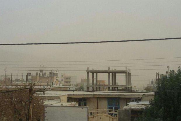 وزش باد شدید موجب فعال شدن کانون های گرد و غبار محلی می شود