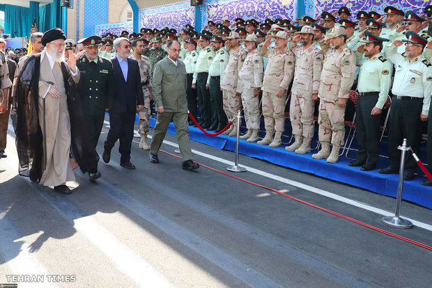 Ayatollah Khamenei attend graduation ceremony at Police Academy