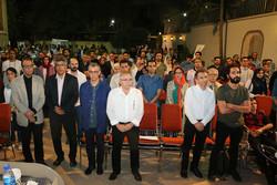 نشان افتخار به یدالله صمدی رسید/ سینمای ایران را دست کم نگیرید