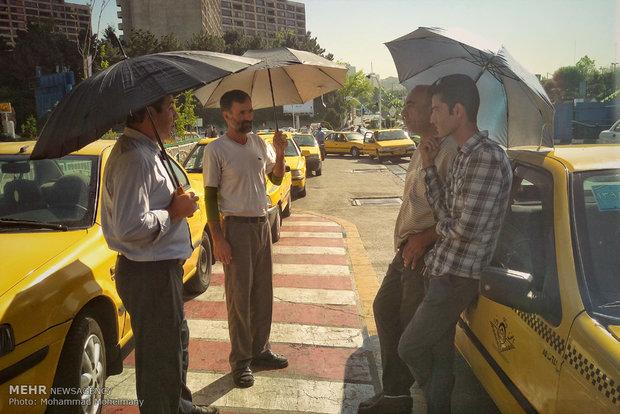 رانندگان خطی تهران زیر آفتاب تابستان