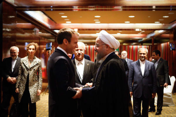Rouhani, French counterpart discuss regional issue on phone