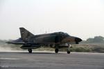 صيانة طائرة فانتوم F4 على يد القوات الجوية في الجيش الايراني