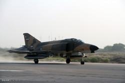 اورهال یک فروند هواپیمای F-۴ نیروی هوایی ارتش
