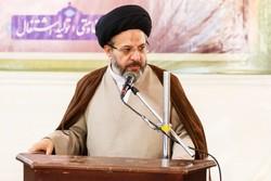 انقلاب اسلامی ایران قابل قیاس با انقلابهای هم عصر خود نیست