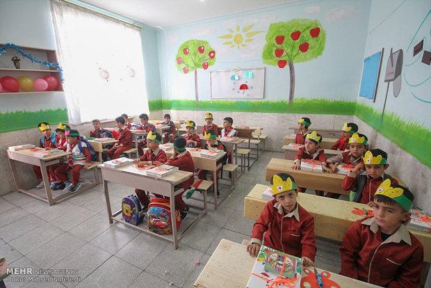 ۲۱ هزار دانشآموز کلاس اولی در زنجان سال تحصیلی را آغاز کردند