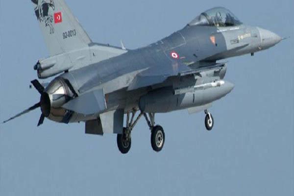 ترکیه ۱۶ موضع مرتبط با پکک را در شمال عراق منهدم کرد