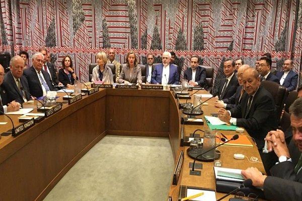 ظريف يكشف عن اجتماع تشاوري مع الاتحاد الأوروبي حول الاتفاق النووي