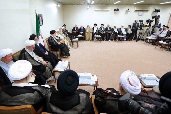 قائد الثورة يستقبل رئيس واعضاء مجلس خبراء القيادة