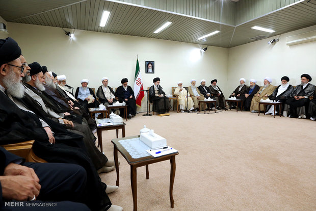 Iran's Leader receives Assembly of Experts members