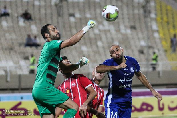 دیدارتیم های فوتبال استقلال خوزستان و سپید رود رشت