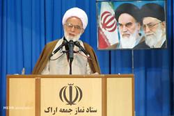 مکتب عاشورایی چراغ راه نظام اسلامی در حق جویی و ایستادگی است