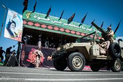 رژه یگانهای منتخب نیروهای مسلح استان سمنان برگزار شد