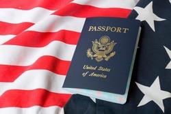 حاكم ولاية كاليفورنيا يعارض موقف ترامب بشأن الهجرة