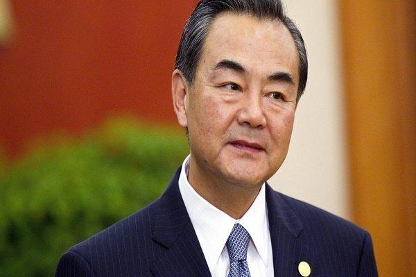 وزير خارجية الصين يطالب بخلع السلاح النووي من كوريا الشمالية