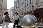 خودروی حبابی آینده بین زمین و هوا شناور است