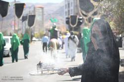 مراسم رمزية تجسد قافلة نينوى في مدينة بيرجند / صور