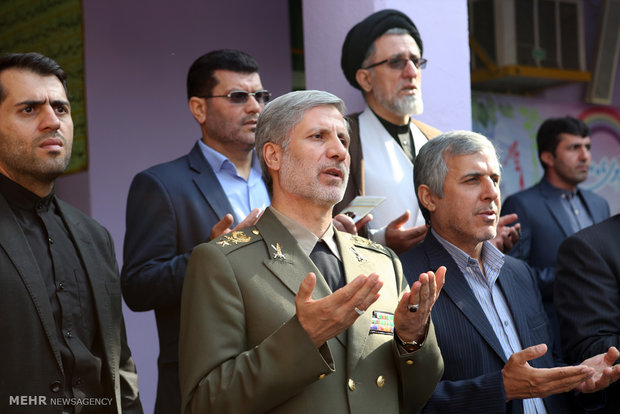 وزير الدفاع الإيراني يدق أجراس المدرسة