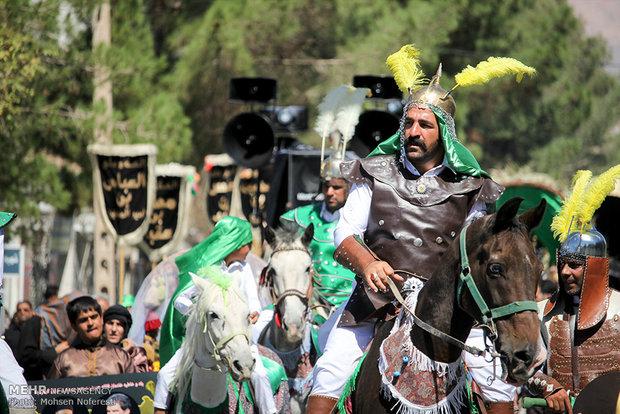 Nineveh caravan's symbolic tour in Birjand