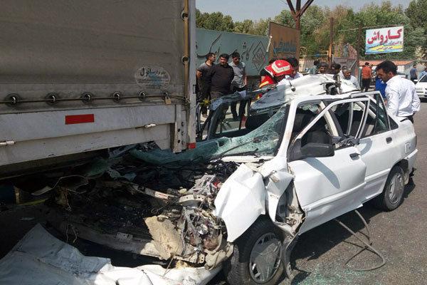 برخورد خودرو پراید با تریلر در فیروزکوه/۲نفرکشته و ۳تن مجروح شد