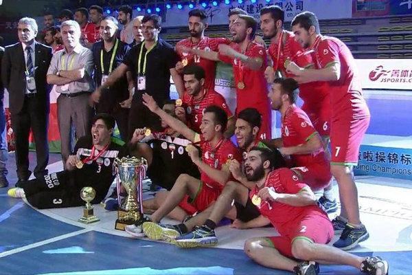 İranlı öğrencilerden salon futbolunda büyük başarı