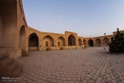 ظرفیت کاروانسراهای شهر همدان برای توسعه گردشگری بکار گرفته شود