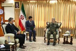 دیدار هاکان تکین سفیر ترکیه با امیر سرتیپ حاتمی وزیر دفاع