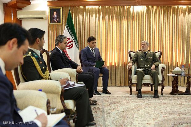 Defense minister receives Turkish envoy to Tehran