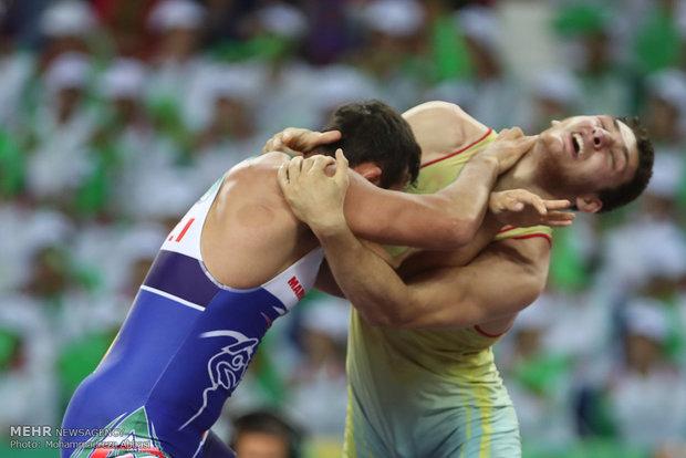 """فريقا """"ايران ألف""""  و""""روسيا""""  يتأهلان إلى نهائي بطولة كأس  شاهد للمصارعة الرومانية"""