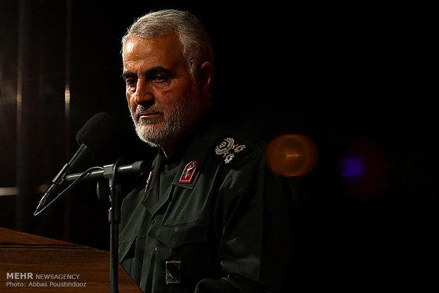 اللواء سليماني يحضر مجلس عزاء حسيني في مدينة إصفهان