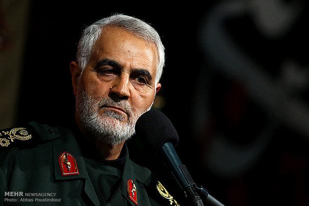 اللواء سليماني يأسف لحرق العلم الايراني في أعمال الشغب